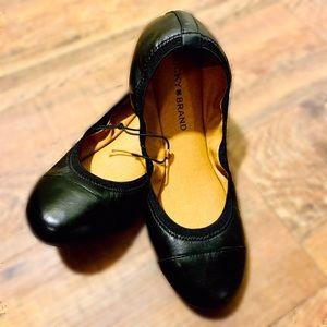 LUCKY BRAND: Wom en's Emmie Ballet Flats
